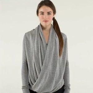 Lululemon Iconic Sweater Wrap gray size 6